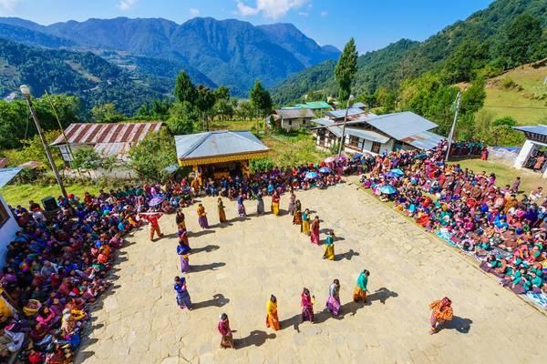 Lễ hội ở Khaling, miền đông Bhutan mừng ngày mùa. Ảnh: Nguyễn Thanh Tùng.