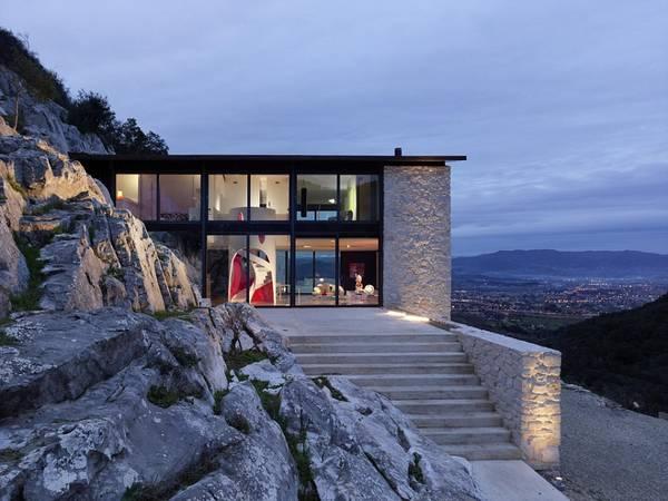 """A&K Villas là công ty cho thuê biệt thự tốt nhất thế giới, với những ngôi nhà như """"La Blanche"""" ở vùng Tuscany, Italy."""