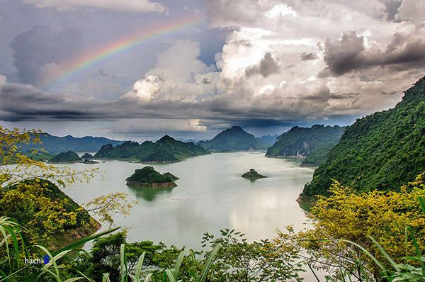 Hình ảnh Thung Nai nhìn từ Ba Khan
