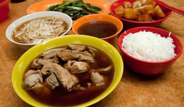 bak-kut-teh-mon-an-rat-noi-tieng-o-singapore-ivivu-1