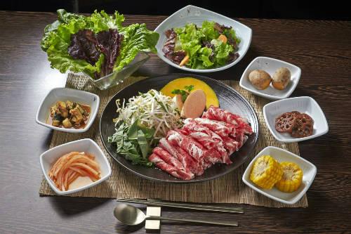 Sự phong phú trong cách trình bày món lẩu ở Nhật Bản. Ảnh: hotpotstory