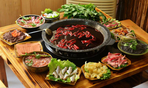 Nguyên liệu phong phú cho món lẩu ở Trung Quốc. Ảnh: guu