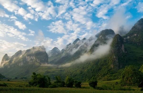Sương sớm ở Cao Bằng. Ảnh: Nga Dang