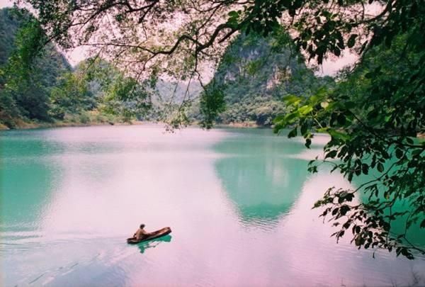 Hồ Thang Hen một ngàymùa đông. Ảnh: bestprice.vn
