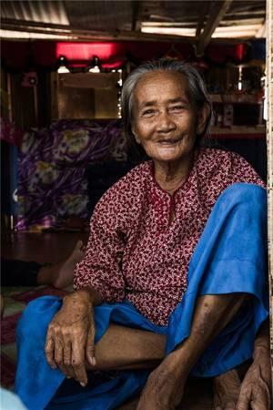 Thay vì hướng đến tương lai, tộc người Bajau chỉ sống cho hiện tại. Ảnh: Réhahn Croquevielle