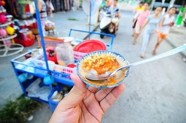 Giống nhiều nơi, bánh bèo ở đây được đặt trong các chén nhỏ. Ảnh: dulich-hoian.net