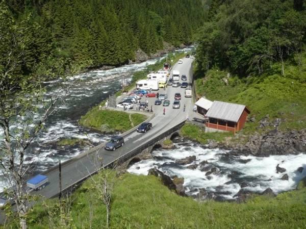 Thác Latefosen là một trong những điểm tham quan hút khách ở Na Uy - Ảnh: xcitefun