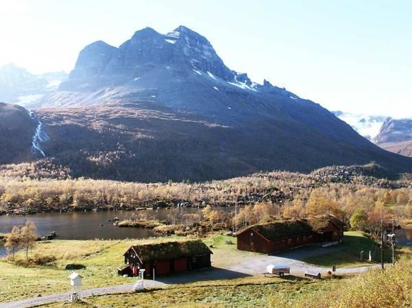 Nhà gỗ miền núi truyền thống Na Uy ở Renndolsetra - Ảnh: exviking