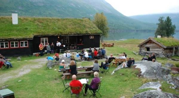 Cắm trại ở Renndolsetra - Ảnh: booking