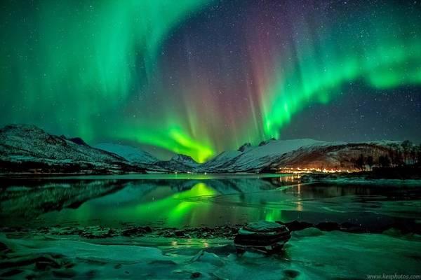 Hiện tượng Bắc cực quang ở phía bắc Na Uy - Ảnh: Telegraph
