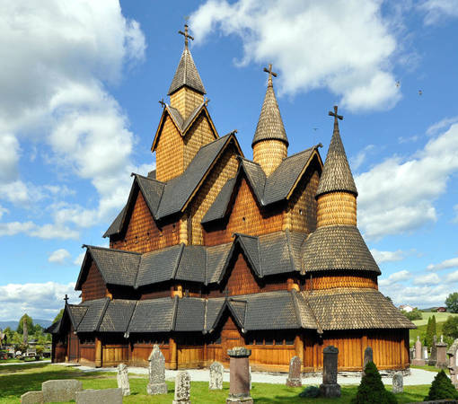 Nhà thờ gỗ Heddal lớn nhất Na Uy - Ảnh: wiki