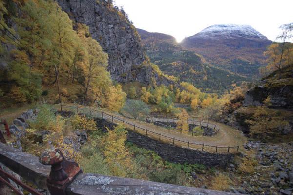 Một góc con đường cổ ở làng Vindhellavegen - Ảnh: fjell-kjell