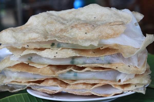 Bánh tráng đập - món ăn vặt lí tưởng cho một chiều trở gió. (Nguồn: Internet)