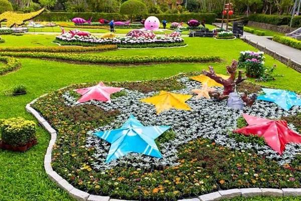 Lễ hội hoa cúc Đài Bắc năm nay diễn ra từ ngày 14/11 đến hết ngày 29/11/2015 tại đường Fulin, Shilin nên du khách nào chưa có dịp hoặc chưa kịp đến thăm thì đừng bỏ lỡ cơ hội ghé qua lễ hội nhé.