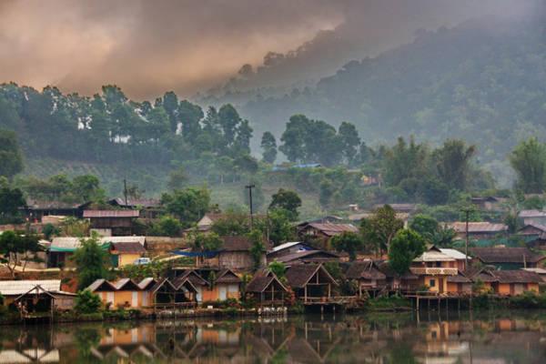 Ban Rak Thai tách biệt hẳn khỏi cuộc sống ồn ào và hiện đại.
