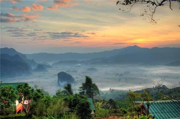 Phu Lang Ka rất xa biển, do đó, hơi thở của cuộc sống miền núi sẽ vây lấy bạn mỗi phút giây. (Ảnh: Internet)