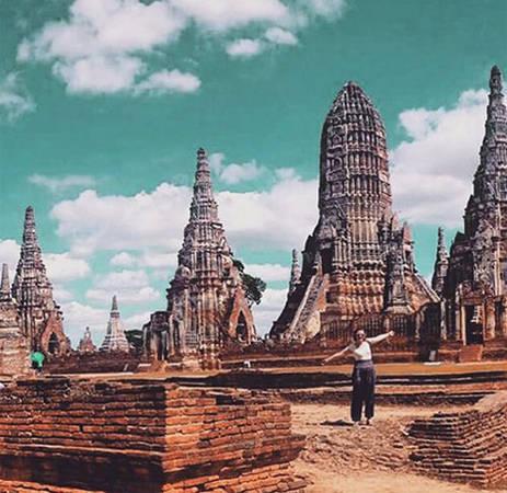 Ayutthaya là cố đô của Thái Lan. Thành phố được thành lập vào khoảng năm 1350 - 1700. Thời điểm đó, nơi đây đã có 1 triệu dân sinh sống và là một thương cảng quốc tế sầm uất. Năm 1767, người Miến Điện xâm chiếm thành phố và phá hủy nó gần như hoàn toàn.