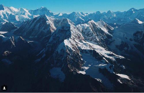 Đỉnh Everest và dãy Himalaya cũng là một trong những điểm đến hút khách của châu Á nói chung và Nepal nói riêng.