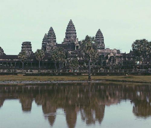 Đền Angkor Wat, Campuchia cũng là một điểm đến không thể bỏ lỡ khi đến châu Á của du khách. Di sản UNESCO này được xây dựng cách đây gần 1.000 năm.