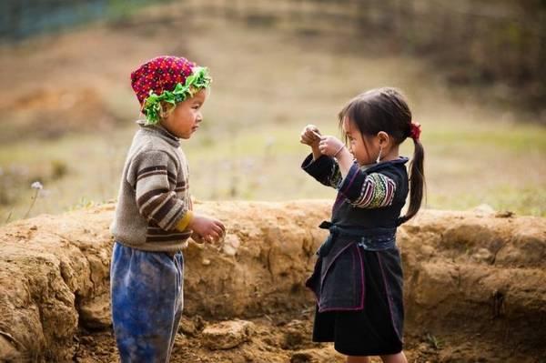 Những đứa trẻ vùng cao - Ảnh: Huyền Thương/Boredpanda