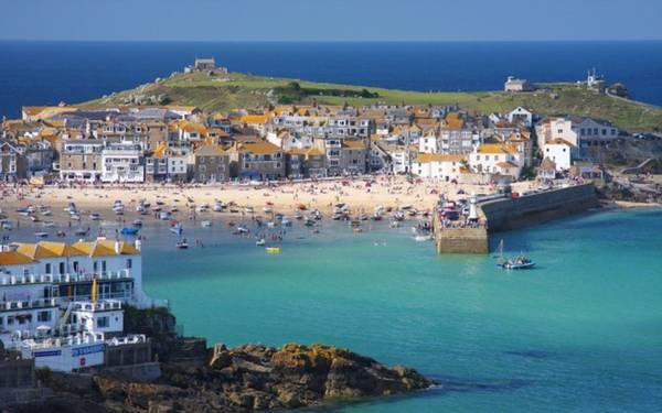 Cornwall là một hạt ở miền tây nam nước Anh xếp hạng thứ 5 trong danh sách 10 điểm đến được tìm kiếm nhiều nhất trên Google năm 2015. Địa danh này cũng tăng một bậc so với 2014.