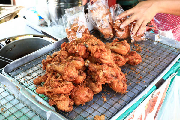 17-mon-an-duong-pho-noi-tieng-cua-bangkok-ivivu-12