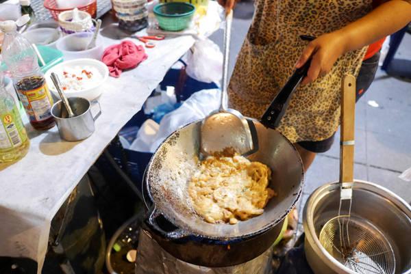 17-mon-an-duong-pho-noi-tieng-cua-bangkok-ivivu-19