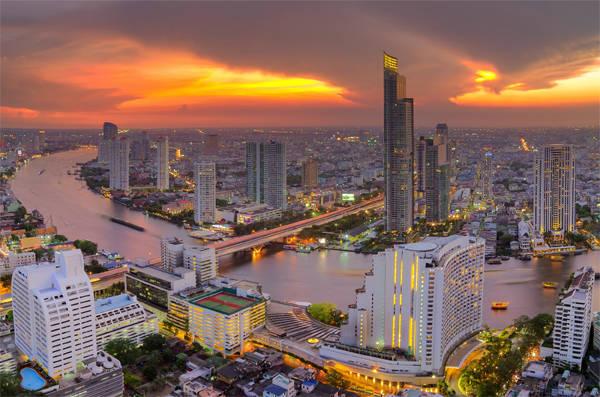 Có một Bangkok thanh bình, không vội vã trên dòng sông Chao Phraya.