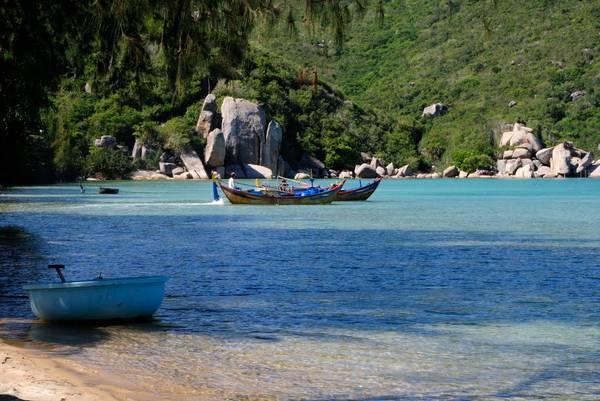 Bãi biển Sơn Đừng. Ảnh: Thong Tmthong