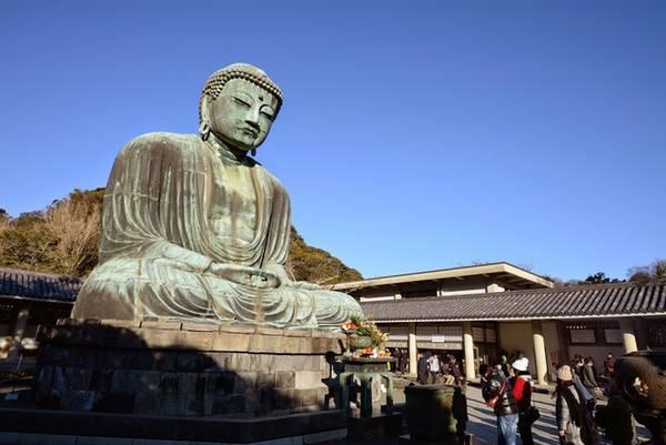Daisubu Dù chỉ kéo dài hơn 3 km, Daisubu là một tuyến đường nổi tiếng với khung cảnh của những ngôi đền và thiên nhiên xung quanh. Du khách chỉ mất 1-2h để hoàn thành chuyến đi. Bên cạnh việc đi bộ leo núi, bạn có thể ghé thăm khu đền thờ thần Zeniarai Benten trong hang núi- vị thần gắn liền với may mắn, âm nhạc và nước. Ảnh: nytimes