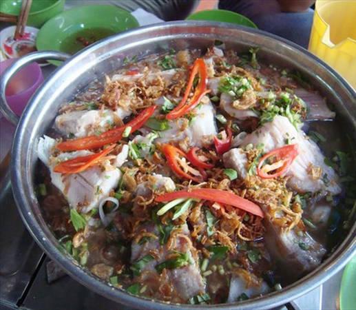 Món lẩu cá đuối đầy thịt cá, chua chua ngọt ngọt. Ảnh: cobavungtau.