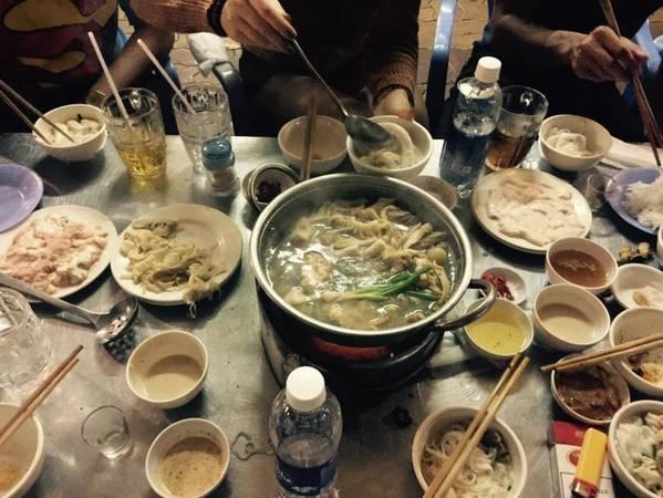 Phát Lẩu Bò. Ảnh: Nhung Nguyen