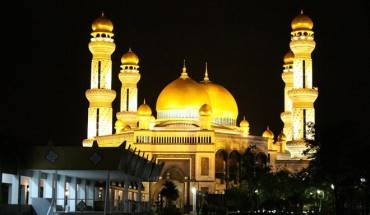 Cham-tay-vao-vuong-quoc-dat-vang-Brunei-ivivu-1