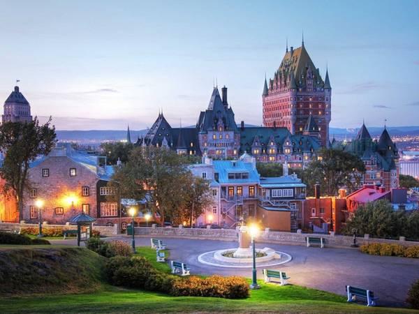Quebec, Canada: Những công trình với kiến trúc sáng tạo, hàng loạt lễ hội và hội chợ sôi động diễn ra quanh năm đã khiến Quebec được nhiều người lựa chọn.