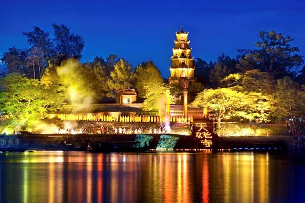 Chùa Thiên Mụ - điểm đến nổi tiếng ở Huế. Ảnh: Hueworldheritage.