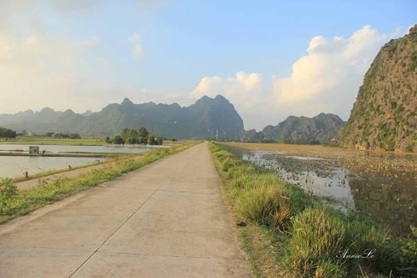 Không phải là đầm nước tự nhiên, đầm được hình thành từ năm 1960, sau khi tuyến đê trị thủy tả ngạn sông Đáy được đắp.