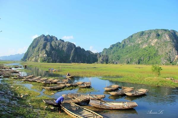 Trước khi chia tay Vân Long, nhớ ghé lại bến thuyền, cảm ơn những cô lái đò hiền lành, và một lần nữa, cảm nhận nét giản dị, chân thành của thiên nhiên và con người vùng mây nước hữu tình.