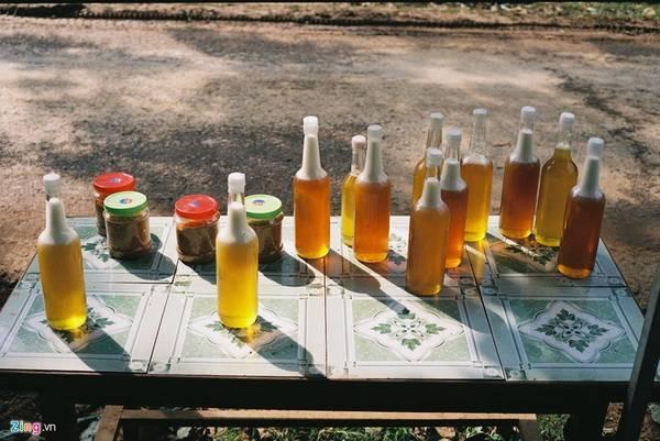 Những chai mật ong bạc hà là đặc sản chỉ có ở vùng đất Hà Giang.