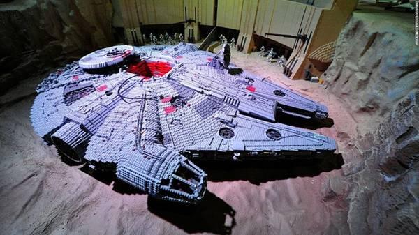 Legoland còn là khu vui chơi lý tưởng cho những ai yêu thích chủ đề khoa học viễn tưởng. Ảnh: CNN.