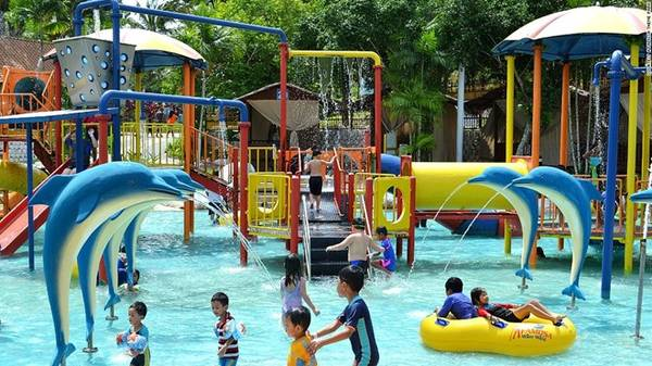 A'Famosa, Alor Gajah, bao gồm công viên nước, công viên thám hiểm, công viên chủ đề Old West, cùng rất nhiều hoạt động thể thao, sáng tạo. Ngoài ra, nơi đây còn có chuỗi khách sạn, resort, trung tâm tổ chức sự kiện... Ảnh: CNN.