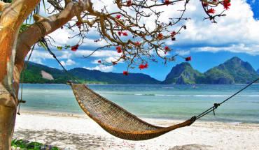 Khung cảnh bình yên đầy thơ mộng. Ảnh: Hotelstravelbeachresort.com
