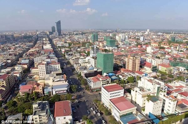 Tuy nhiên, nhiều người lo ngại việc phá hủy các công trình cũ để xây dựng các cao ốc sẽ làm ảnh hưởng tới di sản văn hóa độc đáo của thành phố này.