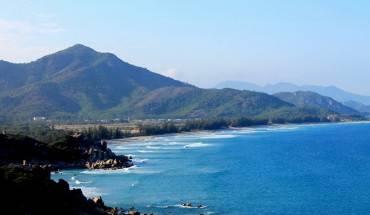 Phong-canh-ngoan-muc-tren-cung-duong-ven-bien-Ninh-Thuan-ivivu-15