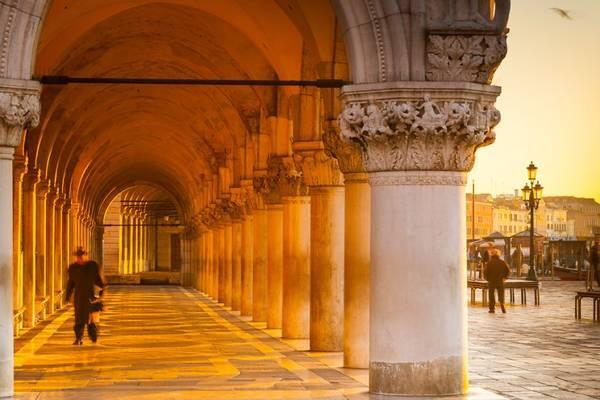 Venice có nhiều công trình kiến trúc cổ tuyệt đẹp.