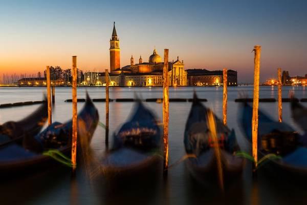 Đây là một trong những điểm du lịch hút khách nhất Italy cũng như trên toàn thế giới, với vẻ đẹp lãng mạn, cổ kính, trầm mặc được hình thành qua hàng trăm năm lịch sử.