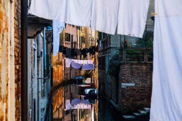 Nhiếp ảnh gia Mikolaj Gospodarek đã có chuyến đi tới Venice và ghi lại những mảnh ghép tuyệt đẹp về thành phố này.