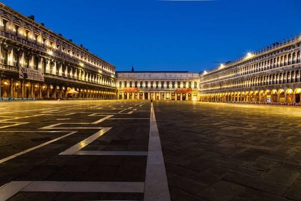 Quảng trường San Marco có kiến trúc độc đáo.