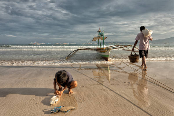 <strong>Đánh bắt cá:</strong> Ngoài nông nghiệp và săn bắn, đánh bắt cá là một trong những hoạt động kinh tế chính của Palawan. Khoảng 45% nguồn cung cấp cá của Manila đến từ khu vực này.