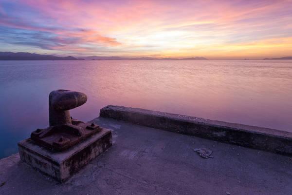 <strong>Ngắm mặt trời lặn từ bến tàu San Vicente:</strong> Đến San Vicente vào lúc chiều tà, bạn sẽ được chiêm ngưỡng khung cảnh rực rỡ của hoàng hôn.
