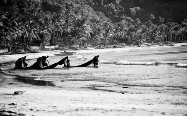 <strong>Ngư dân trên biển Alimanguan:</strong>Các làng chài ở Alimanguan vẫn còn là một bí ẩn với nhiều du khách.